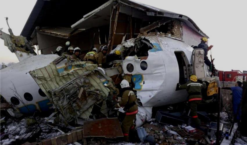 Al Menos 14 Muertos en Accidente Aéreo en Kazajistán