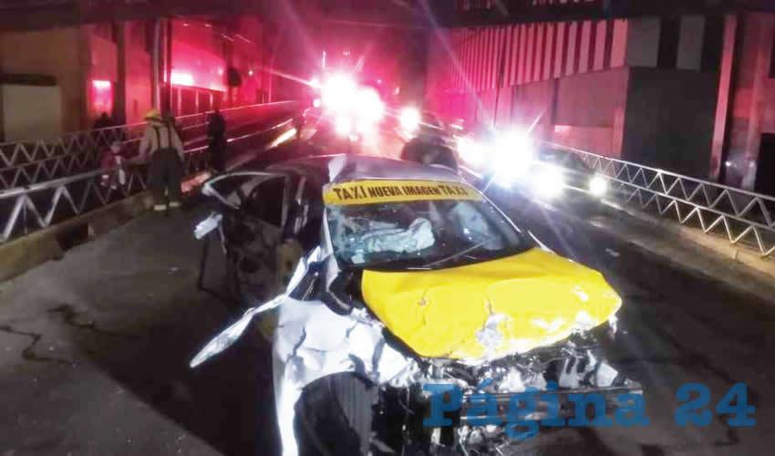 Un hombre, que podría ser conductor de taxi, murió al salir eyectado del vehículo en el que viajaba y del cual perdió el control/Foto: Especial