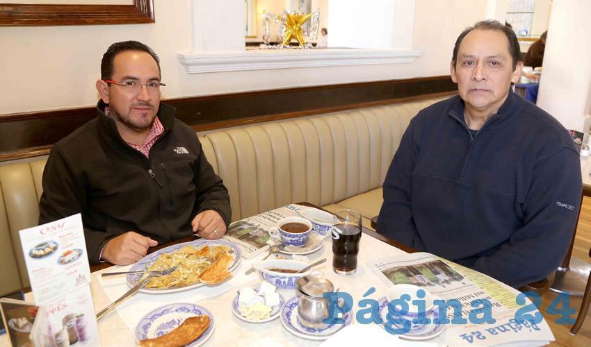 Alejandro López López y José Yllescas Vázquez compartieron el pan y la sal en Sanborns Francia