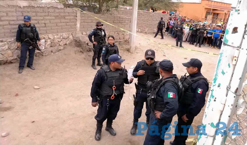 Un amplio operativo policiaco se desplegó en la comunidad Ojo de Agua de Crucitas