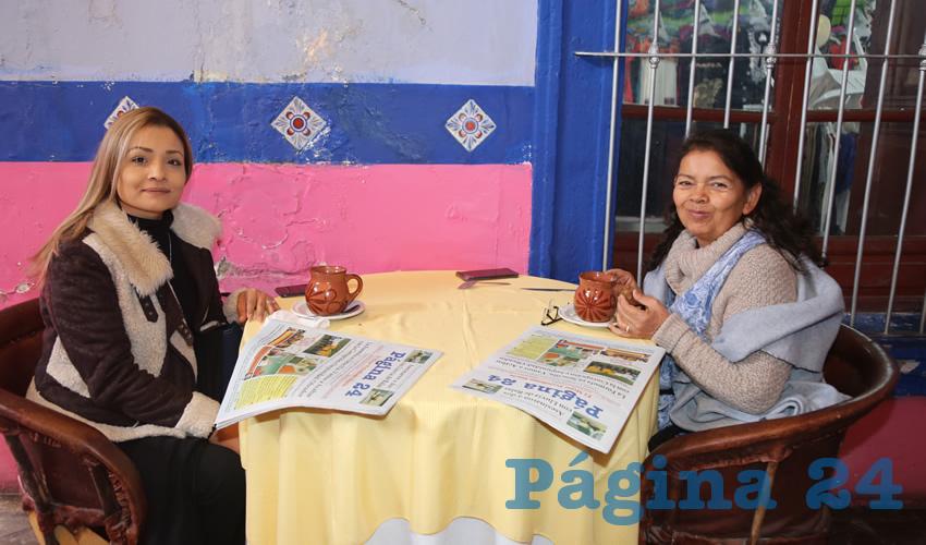 En el restaurante La Saturnina almorzaron Fátima Martínez Valadez y Raquel Valadez García