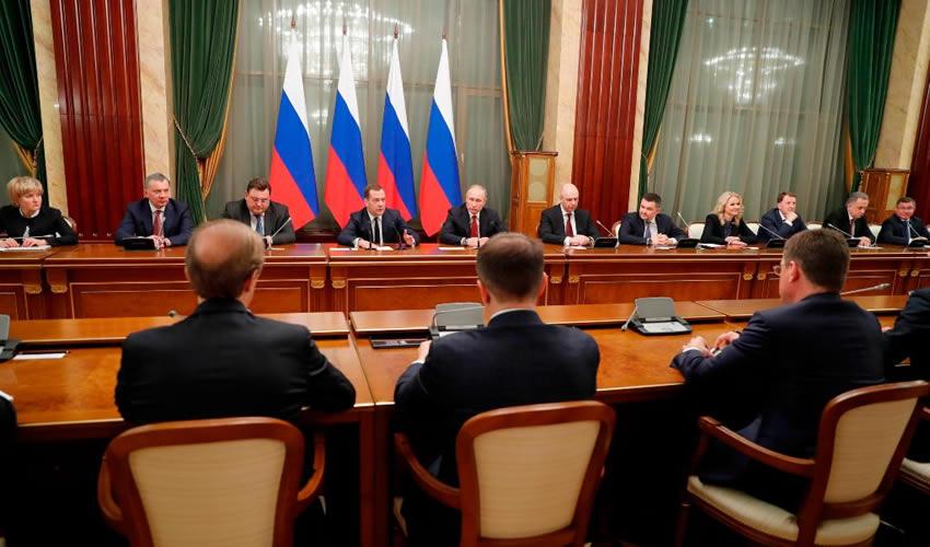 Renuncia Todo el Gabinete de Putin Tras Anuncio de Reformas a la Constitución