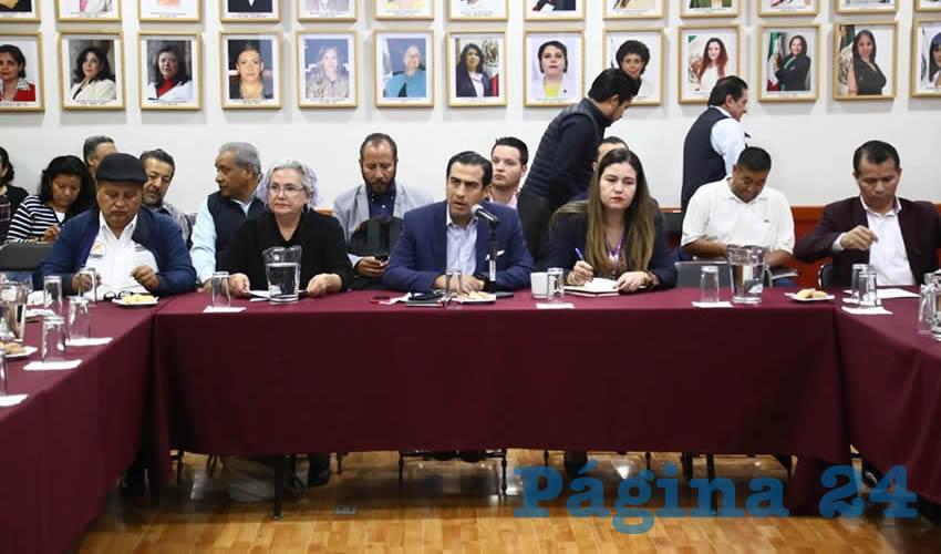 """En la actualidad existen presentadas en el Congreso de Jalisco nueve iniciativas en la materia, sin embargo, en ninguna se contempla un estudio actuarial de pensiones, ni el impacto presupuestal que tendrán las modificaciones. Por esto, se dijo que la intención es """"alcanzar"""" una reforma integral, y no sólo más parches en la ley/Foto: Cortesía"""