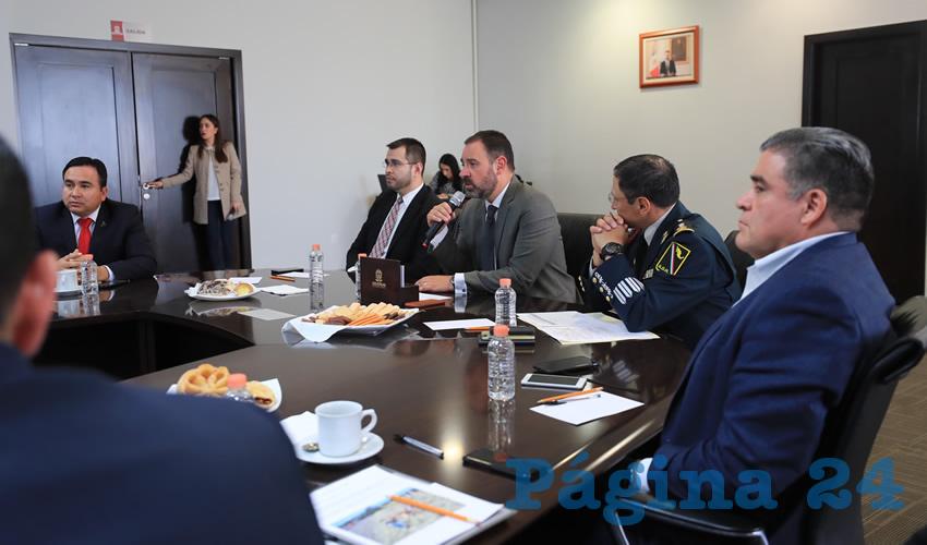 Gobernador Infunde Temor a los Alcaldes