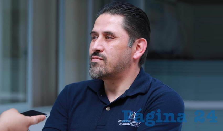 Alejandro Martínez Flores, maestro adscrito al Centro de Ciencias Económicas y Administrativas (CCEA) de la Benemérita Universidad Autónoma de Aguascalientes