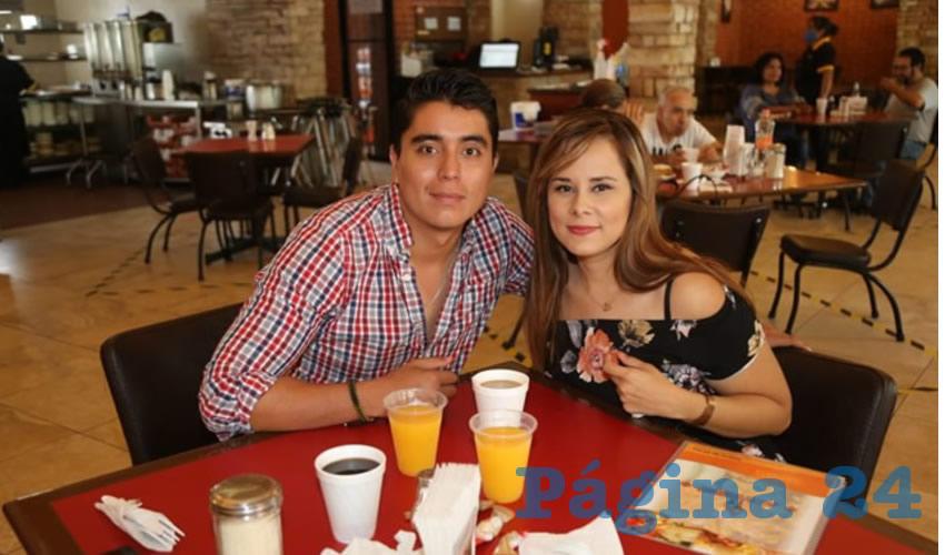 Pedro Guzmán Guzmán y Daisy Chino Ortiz compartieron el pan y la sal en Las Antorchas