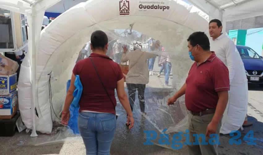 Colocan dos Arcos Sanitizadores en el Tianguis Las Américas