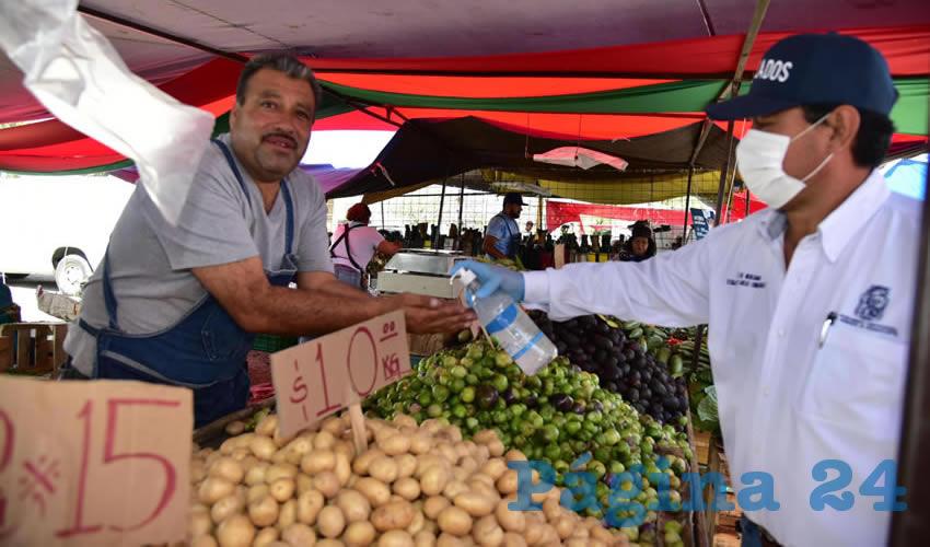 Refuerza Municipio Medidas de Higiene  en Tianguis por la Emergencia Sanitaria