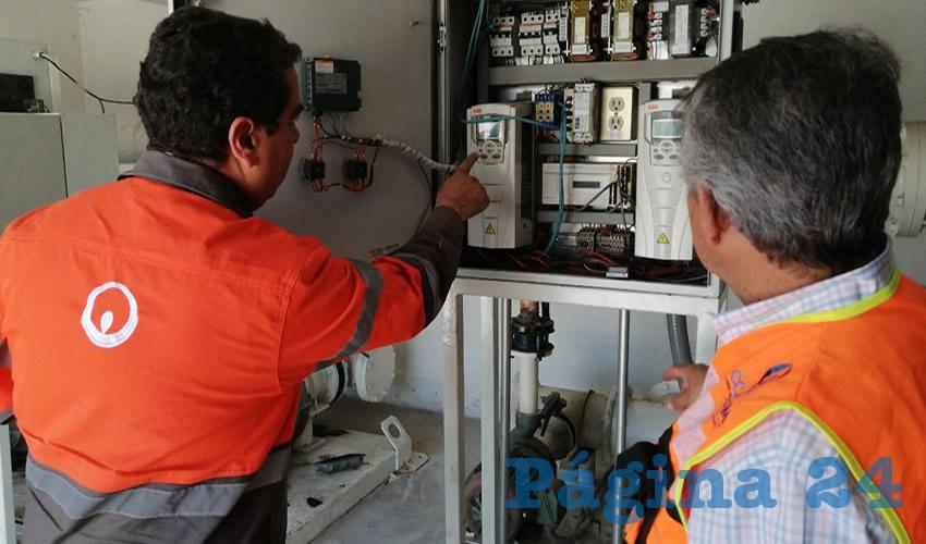 Cuadrillas de la concesionaria continúan verificando la correcta operación de pozos y rebombeos a lo largo del municipio capital