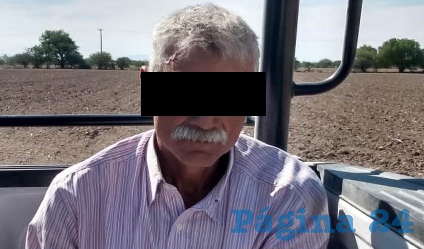 El otro sujeto de mayor edad, canoso y de bigote