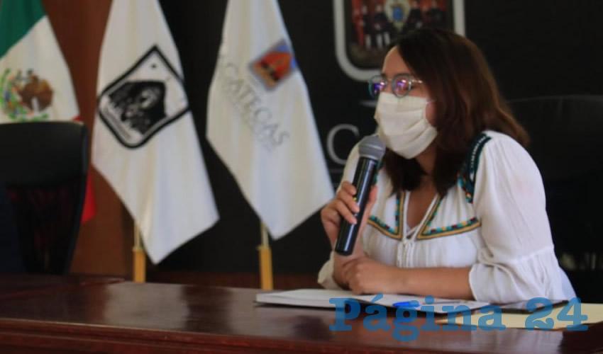 """Con la finalidad de brindar ayuda a las mujeres que son víctimas de violencia en el municipio, Emilia Pesci Martínez, directora del Instituto Municipal de las Mujeres Zacatecanas para la Igualdad (Inmuzai), dio a conocer que implementan la campaña """"Cubrebocas Morado"""" (Foto Cortesía)"""
