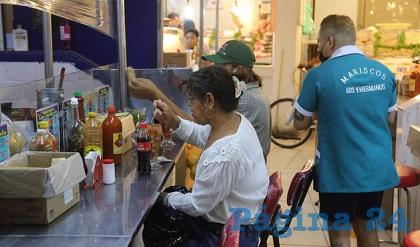 En Mariscos Los 4 hermanos, en el mercado Terán, lleva a tu casa y disfruta en familia
