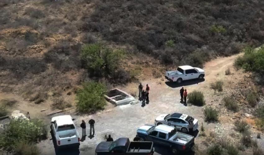 El tiro de mina donde se localizaron los cuerpos en Aquiles Serdán, Chihuahua. Foto: Tomada de video