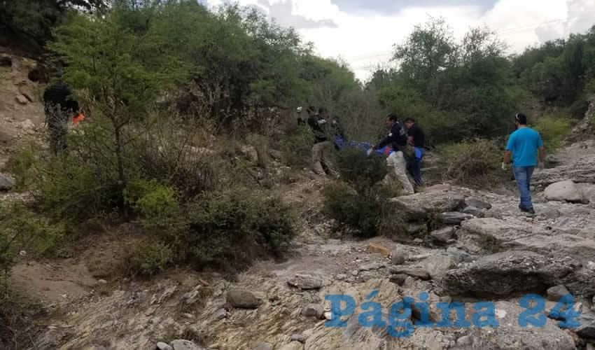 En las inmediaciones de Arroyo Tepezalá o Zamora, en el municipio de Tepezalá, Fernando Macías se colgó de un pirul
