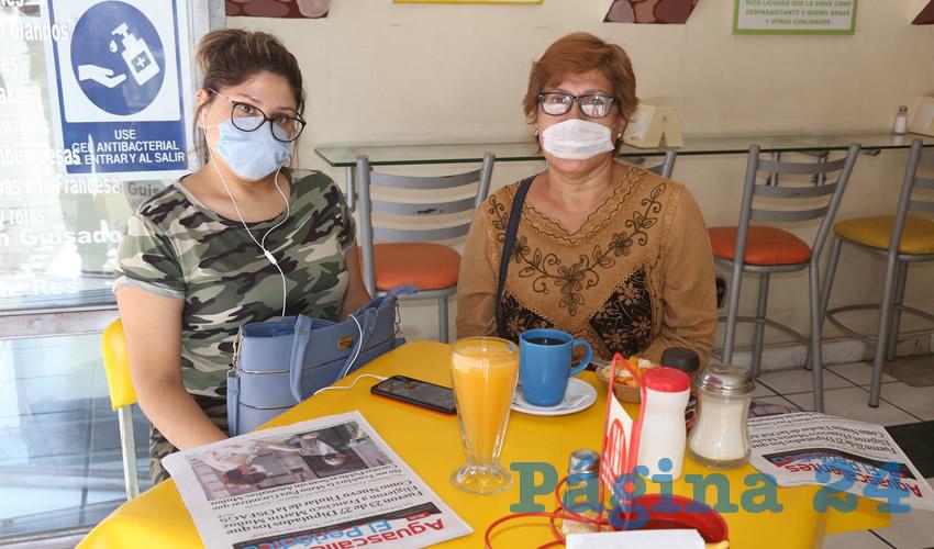 En Fuente de Sodas Mapi almorzaron Soledad López López y Blanca López López
