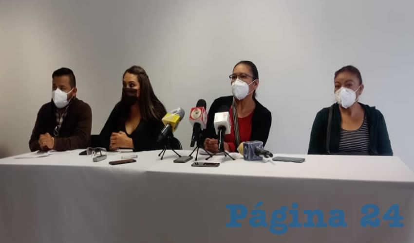 Norma Angélica Castorena Berrelleza, secretaria general de la Sección 39 del Sindicato Nacional de Trabajadores de la Secretaría de Salud (SNTSS), y familiares de la enfermera Esthela Yessenia Torres Rodríguez, quien falleció el 26 de julio a causa de COVID-19 y su que su cadáver está en calidad de desaparecido, anunciaron que interpondrán una denuncia en la Fiscalía General de Justicia del Estado de Zacatecas (FGJEZ) y una queja ante la Comisión de Derechos Humanos del Estado (CDHEZ) en contra del Instituto de Seguridad y Servicios Sociales de los Trabajadores del Estado (ISSSTE) (Foto Cortesía)