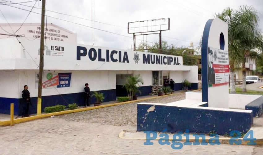¡Policías de El Salto golpean a periodista!