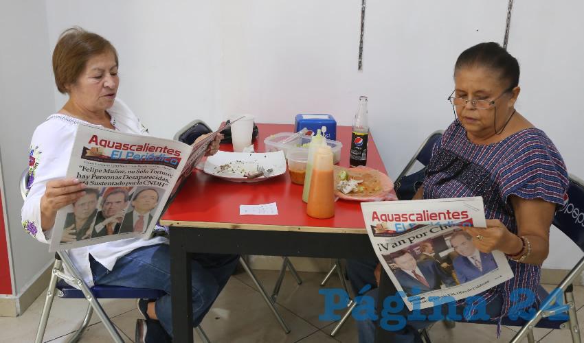 En Maizito Azul desayunaron María Guadalupe Martínez Méndez y Esthela Ruelas de Luna