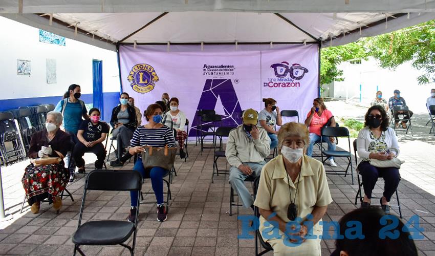 Amplían el Municipio y el Club de Leones  Entrega de Lentes Una Mirada de Corazón