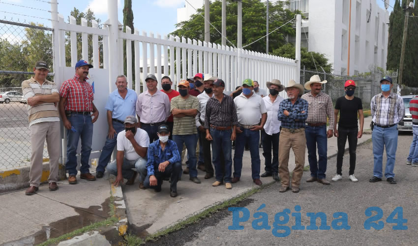 Productores de leche se manifestaron en Liconsa (Foto: Eddylberto Luévano Santillán)