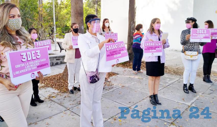 Colectivo de mujeres exige paridad al IEPC