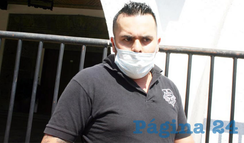 Ex policía estatal exige a Alfaro pensión completa