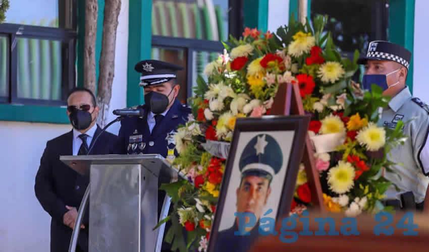 Rinden Homenaje al Subdirector de la Policía Municipal Asesinado en Villa de Cos