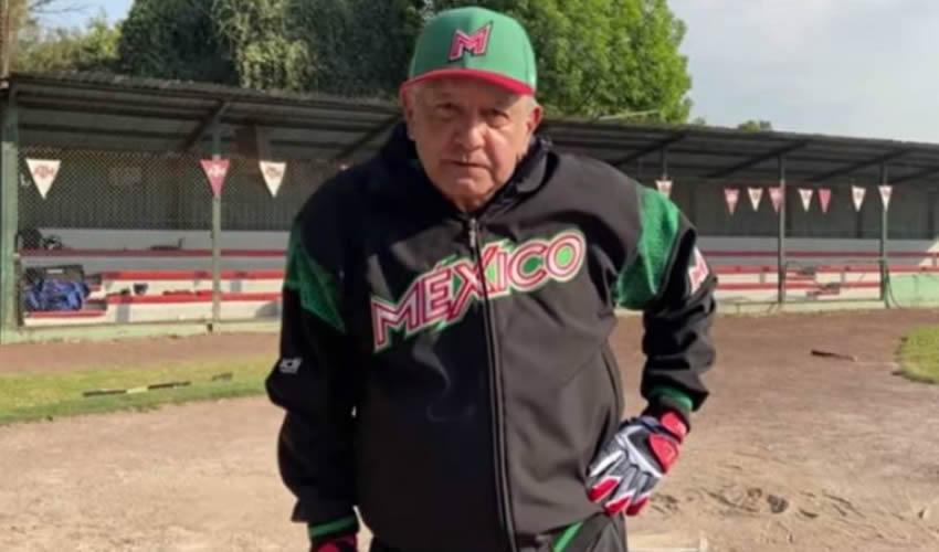 El presidente López Obrador publicó el lunes un video en el que practica beisbol (Foto: YouTube/Andrés Manuel López Obrador)
