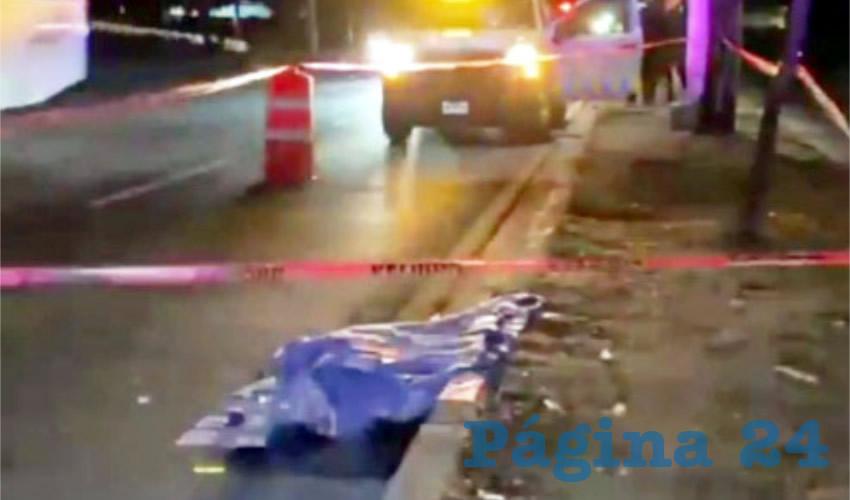 Muere atropellado a metros de puente peatonal