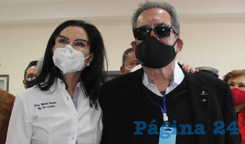 Acompañada de su Esposo Carlos Lozano, Blanca Rivera Rio Registró su Candidatura en el PRI Para la Alcaldía de Aguascalientes