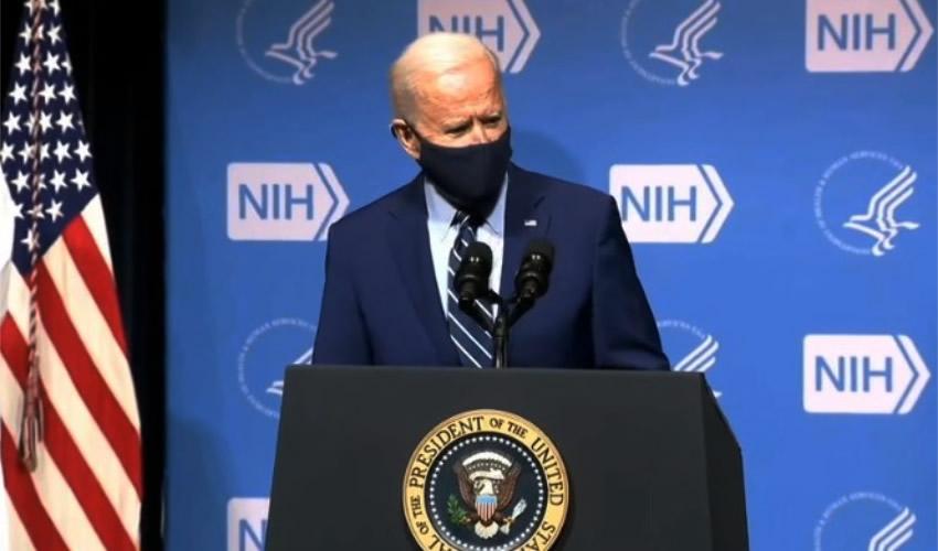 """En un discurso con el cubrebocas puesto, el presidente de Estados Unidos, Joe Biden, insistió en la """"importancia crítica"""" de usar la mascarilla para salvar a un """"importante número de vidas"""""""