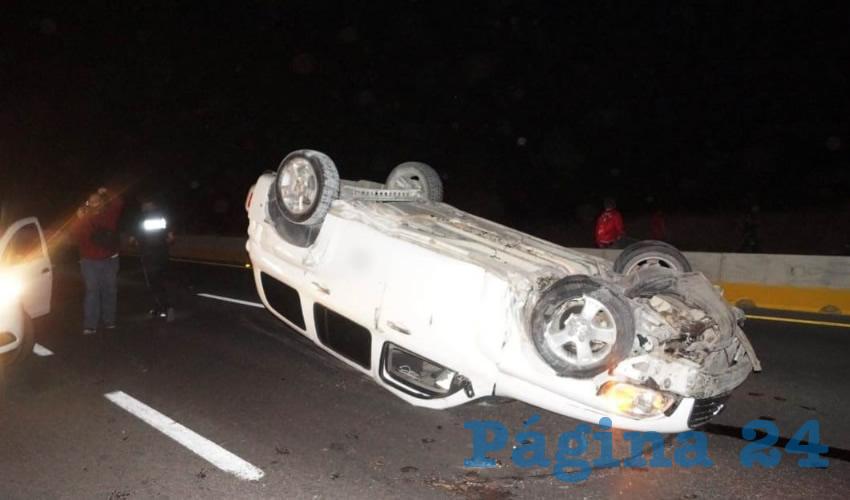 La vagoneta Chevrolet HHR blanca, que manejaba el alcoholizado Yabet Ignacio Lomelí, de 20 años
