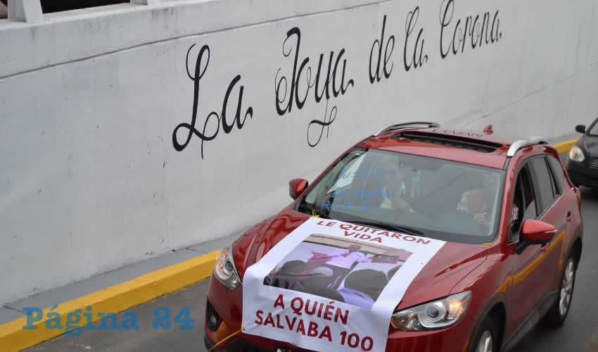 Con Marcha Vehicular Realizan Protesta Contra el Asesinato del Doctor Ruiz Calzada