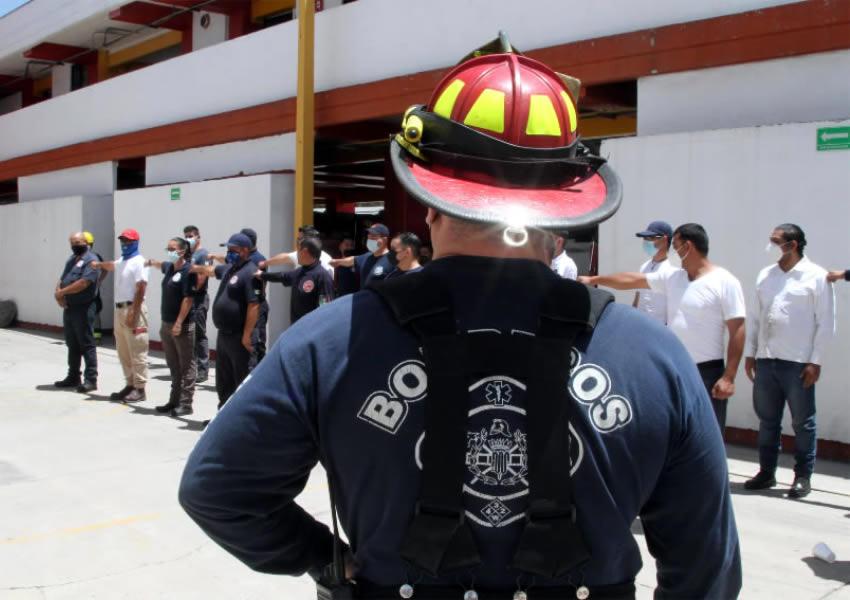 Protección Civil Municipal Capacita a Bomberos  de las Corporaciones del Interior del Estado