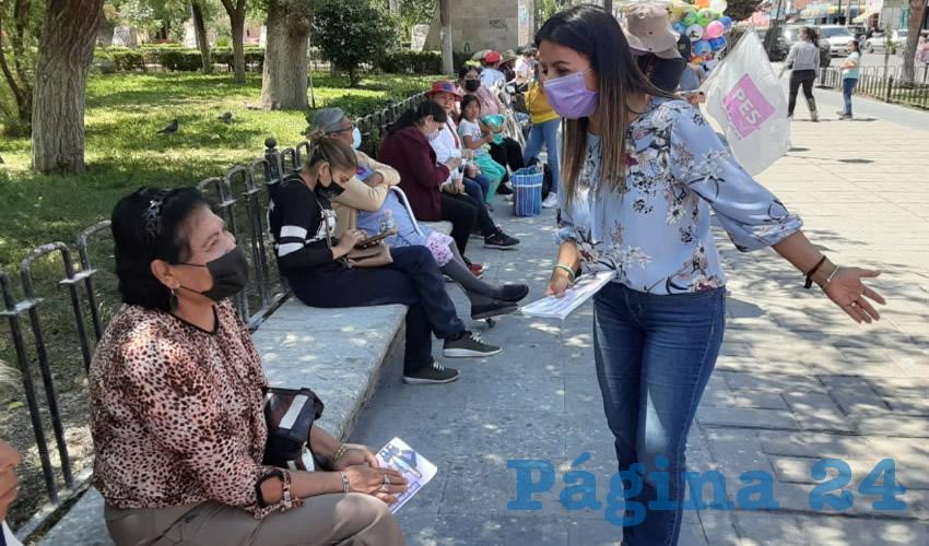 Loretenses Detallan a Lupita Medina sus Necesidades más Sentidas