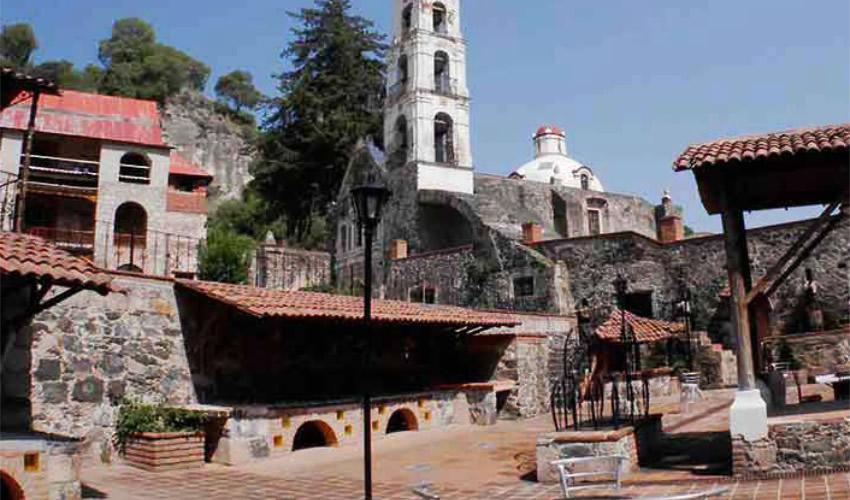 Hechizo de Pueblos Mágicos en México, Identidad Nacional con Elementos Propios