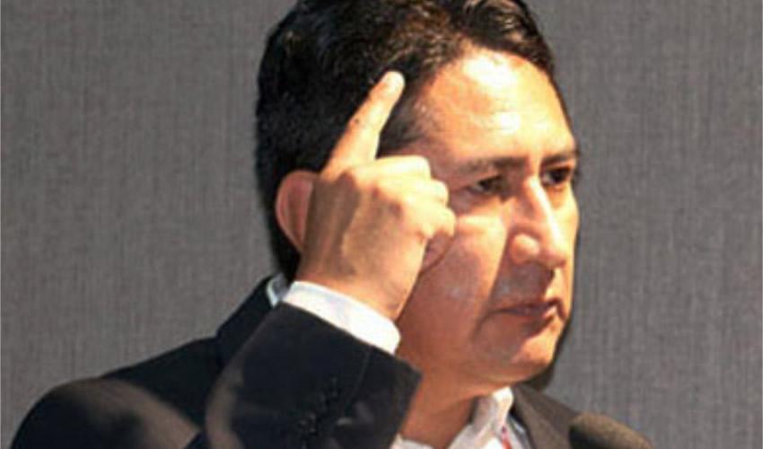 Líder de Partido Gobernante de Perú Denuncia Plan Cóndor II