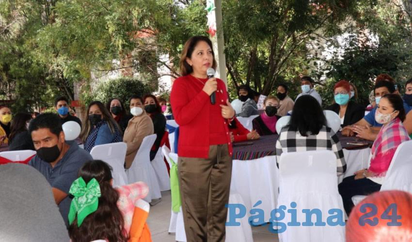Convoca Sara Hernández de Monreal al Equipo SEDIF a Preservar el Respeto y Amor a la Patria y a la Familia