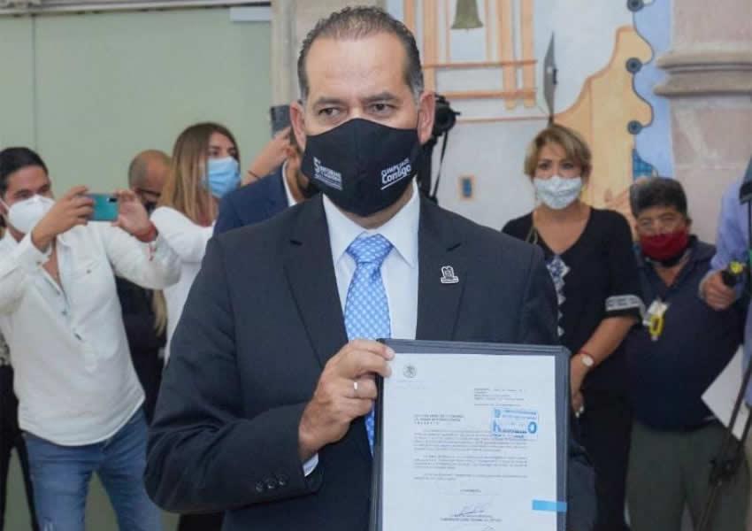 El Gobernador de Aguascalientes Entrega su Quinto Informe de Gobierno al Congreso Estatal