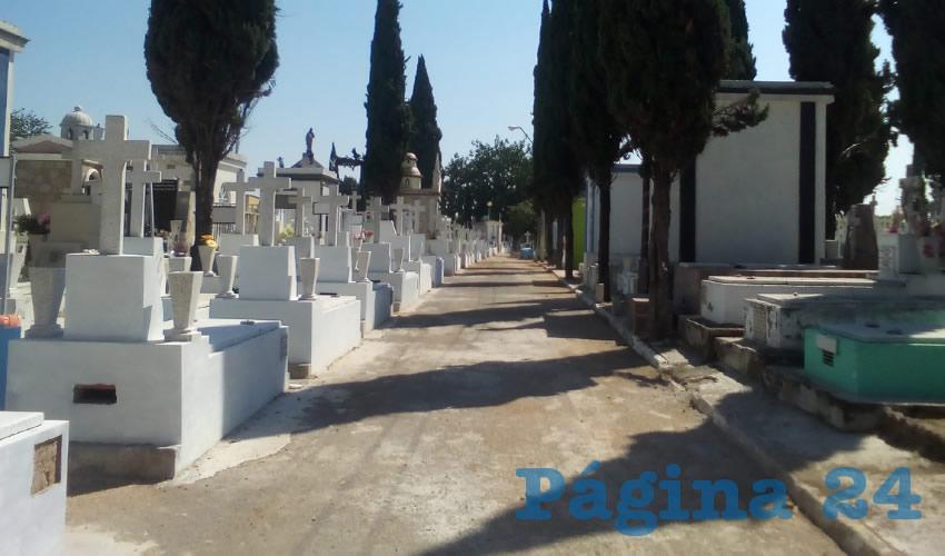 Alistan panteones de GDL para el Día de Muertos