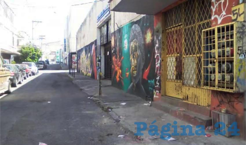 Centro tapatío, lleno de grafiti y basura