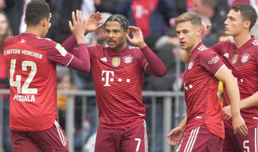 Bayern Múnich Conserva la Cima de la Bundesliga